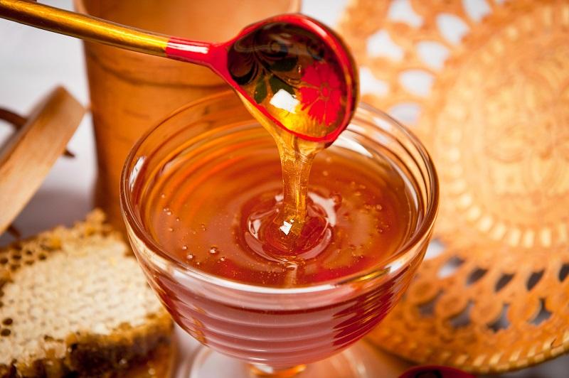 Как принимать мед в лечебных целях правильно